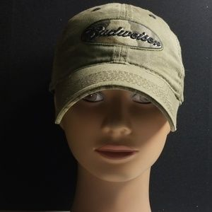 Adjustable hat
